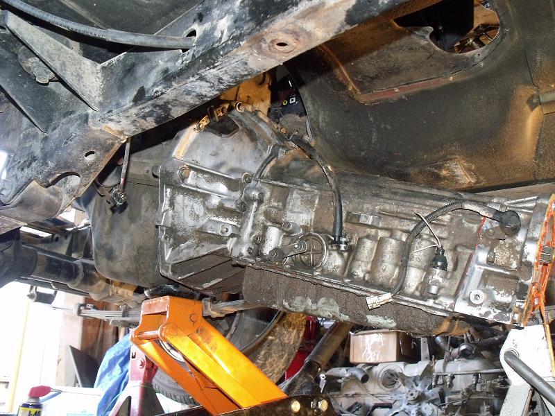 jeep-yj-drivetrain-install-3-11-2010-001.jpg