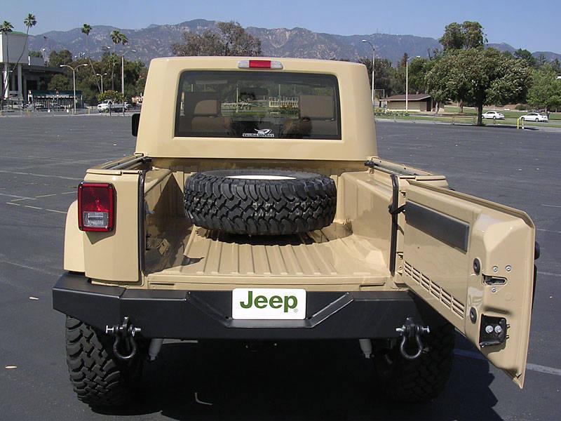 jeep_jt_tailopen.jpg
