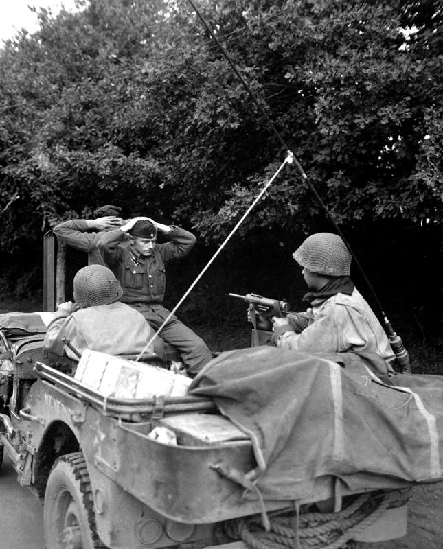 jeep_mb_france_nazi_1944.jpg