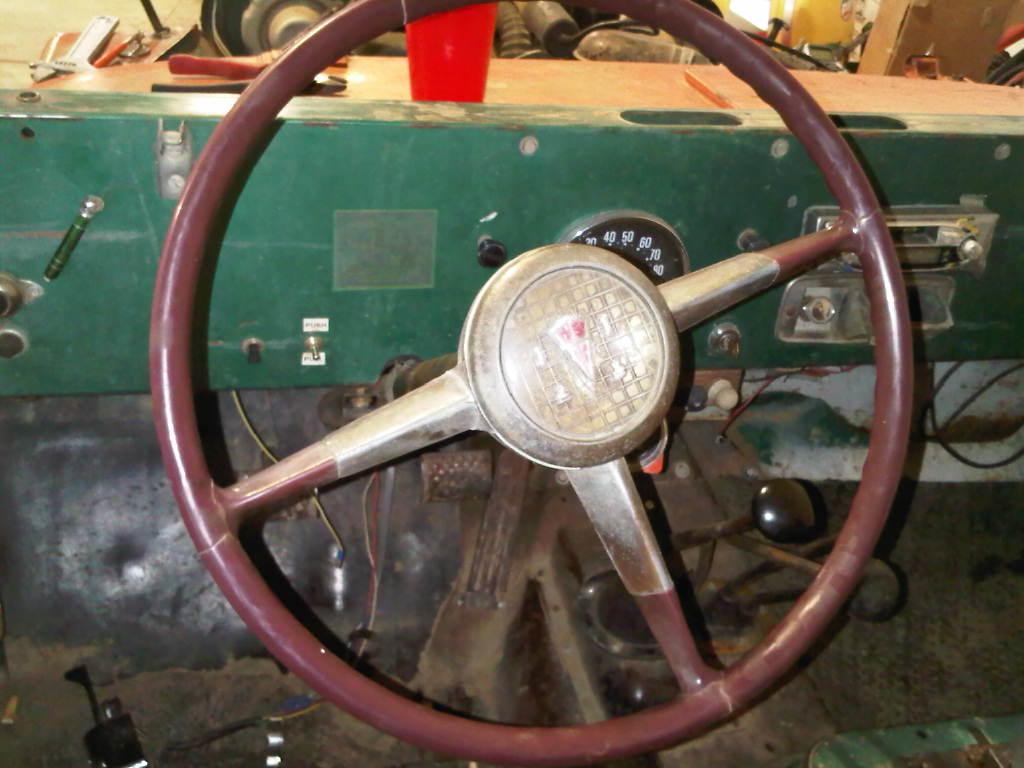 jeepsteeringwheel2.jpg