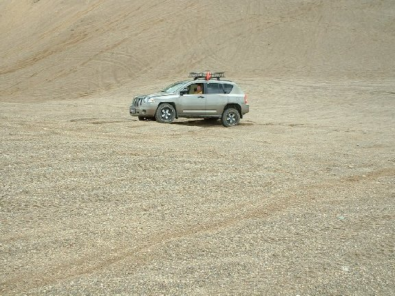 jeepster-desert.jpg