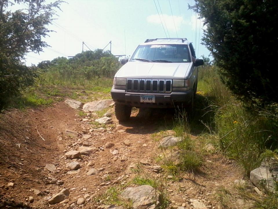 jeepwheel3.jpg