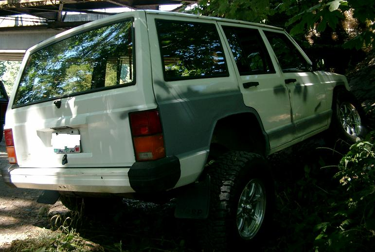 my-xj-rear-flex.jpg