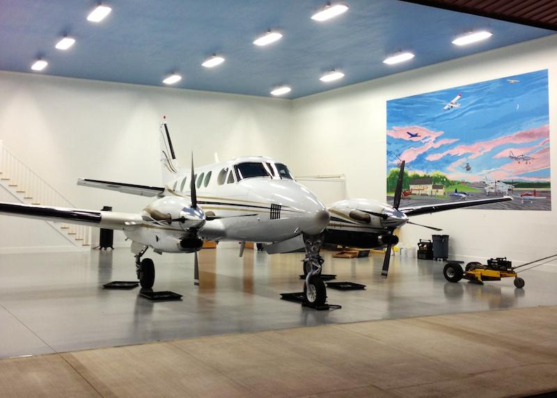 n7230h-hangar.jpg