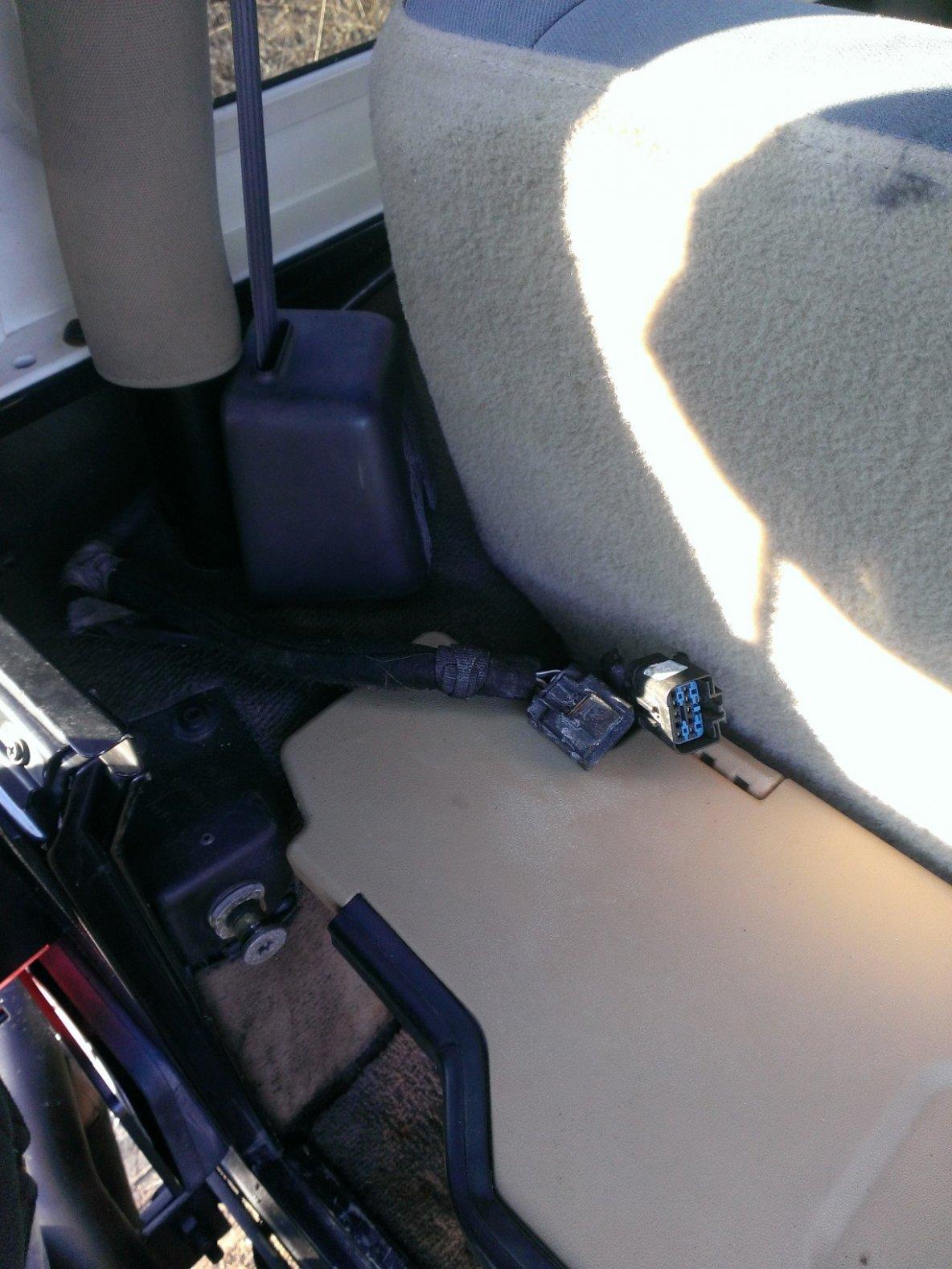 rear-plugs-above.jpg