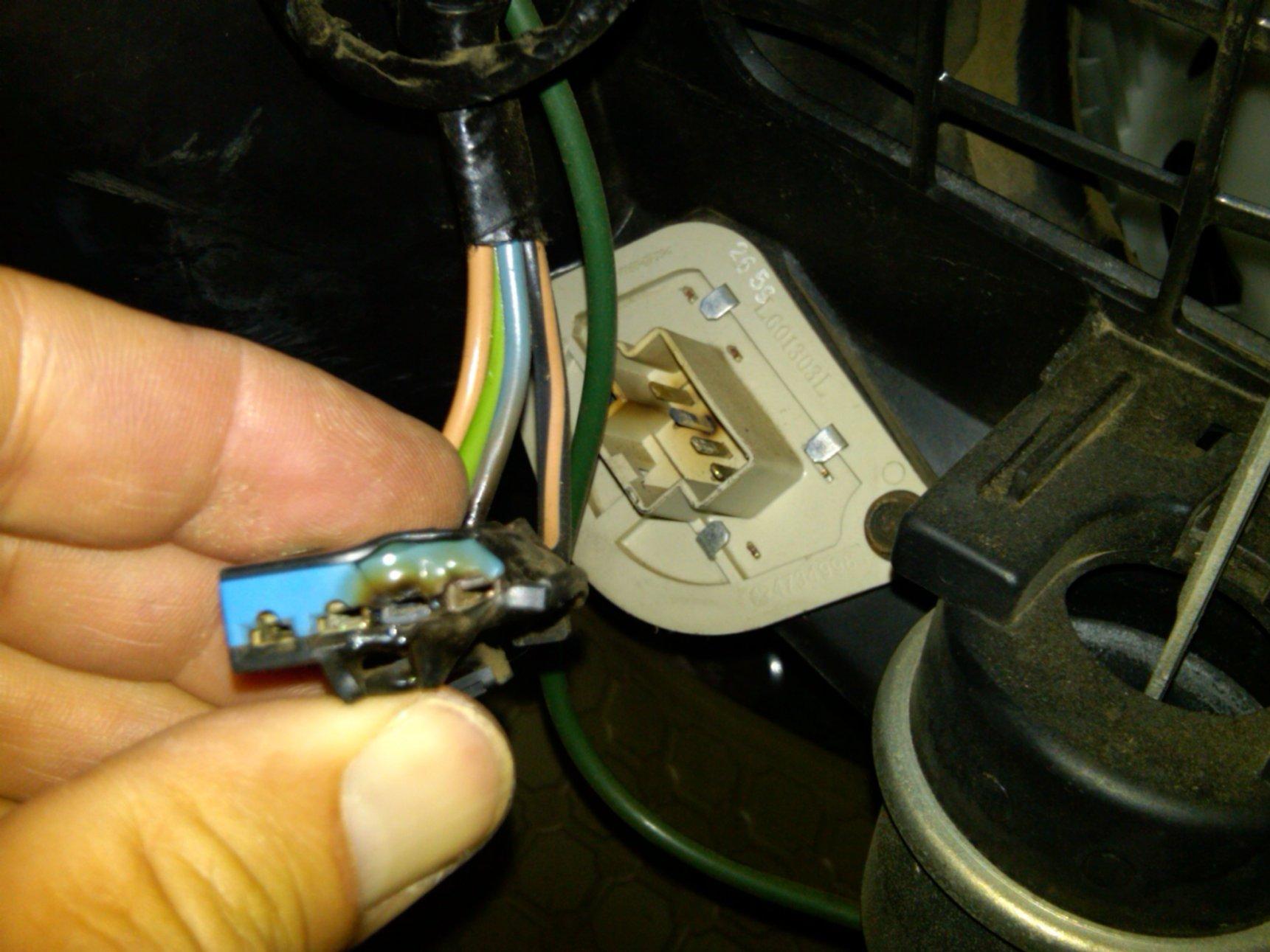 resistorconnector.jpg