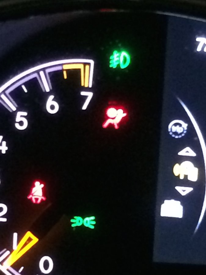 service-airbags-seatbelt.jpg