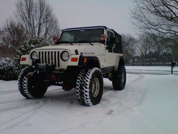 snow-jeep-2.jpg