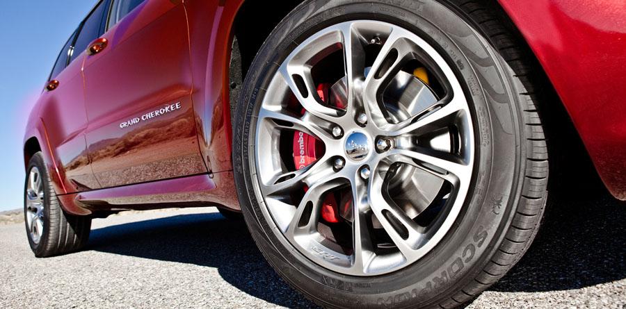 srt8-wheels.jpg