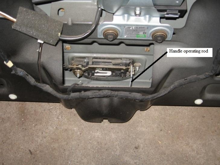 tailgate-latch-2.jpg