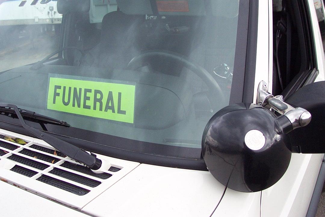 telstar-logistics-e54130-funeral_o.jpg