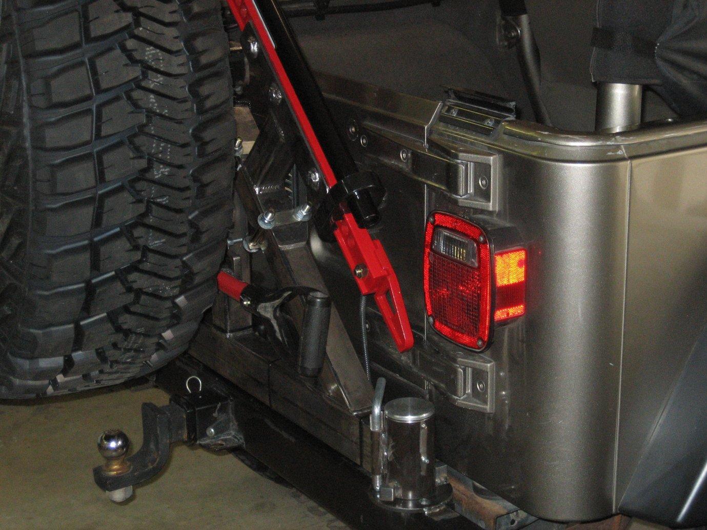 tire-carrier-001.jpg