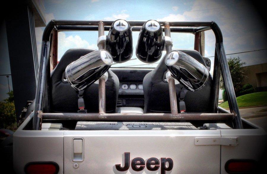 tower-speakers-jeep.jpg
