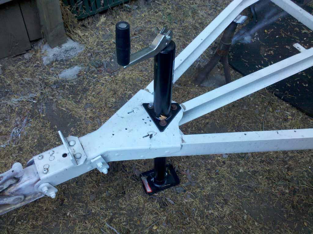 trailerrebuild10-14-12-1.jpg