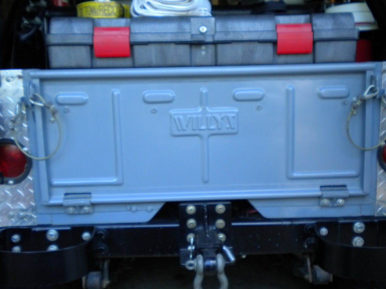 willys-tailgate-001.jpg