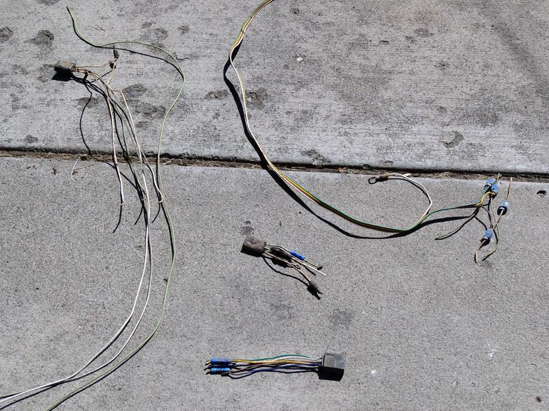 Name:  wiring mess.jpg Views: 253 Size:  215.4 KB