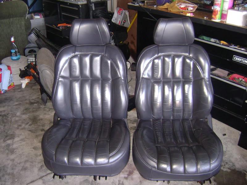 wj-front-seats.jpg