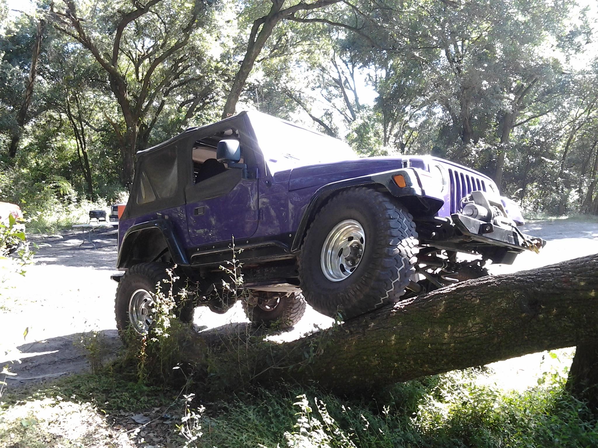 Jeep_Engine_001
