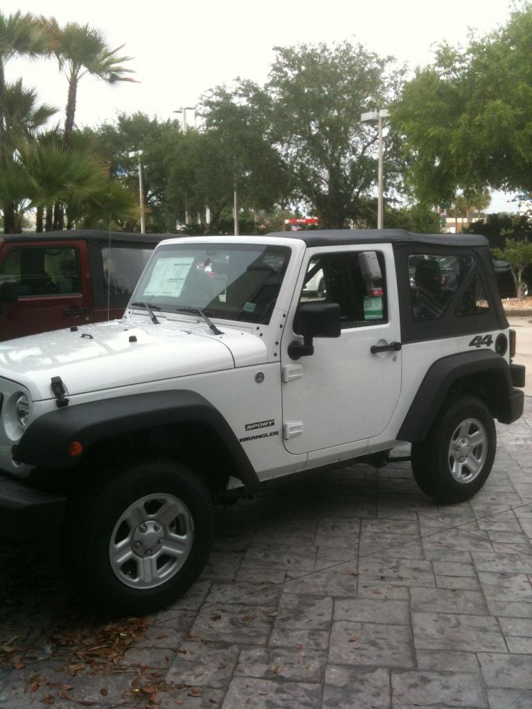 Charlotte_Jeep.jpg