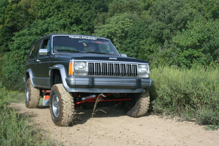 black_jeep1.jpg