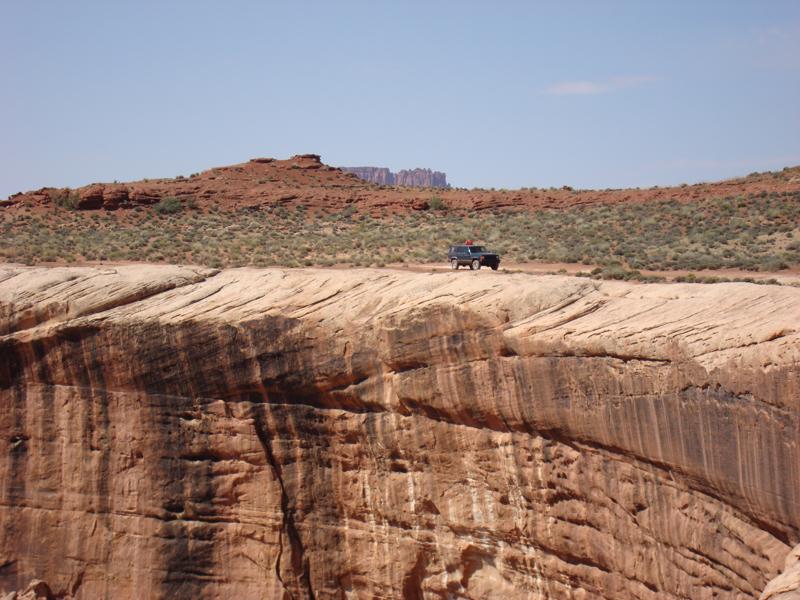 Jeep_Along_Trail.jpg