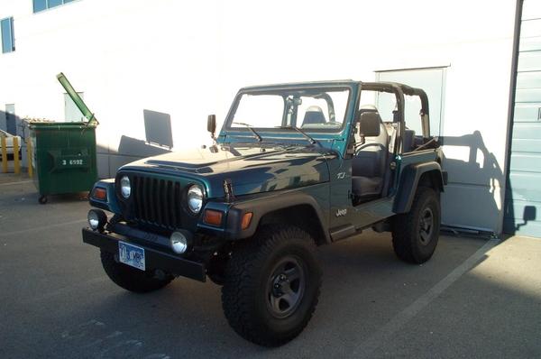 Jeep-62607009.jpg