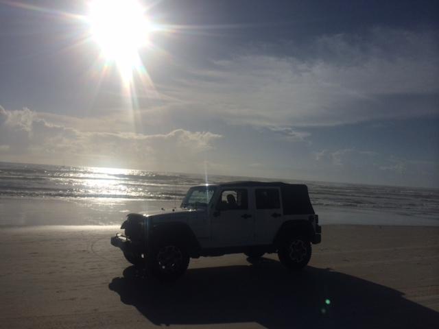 jeep_beach_2.jpg
