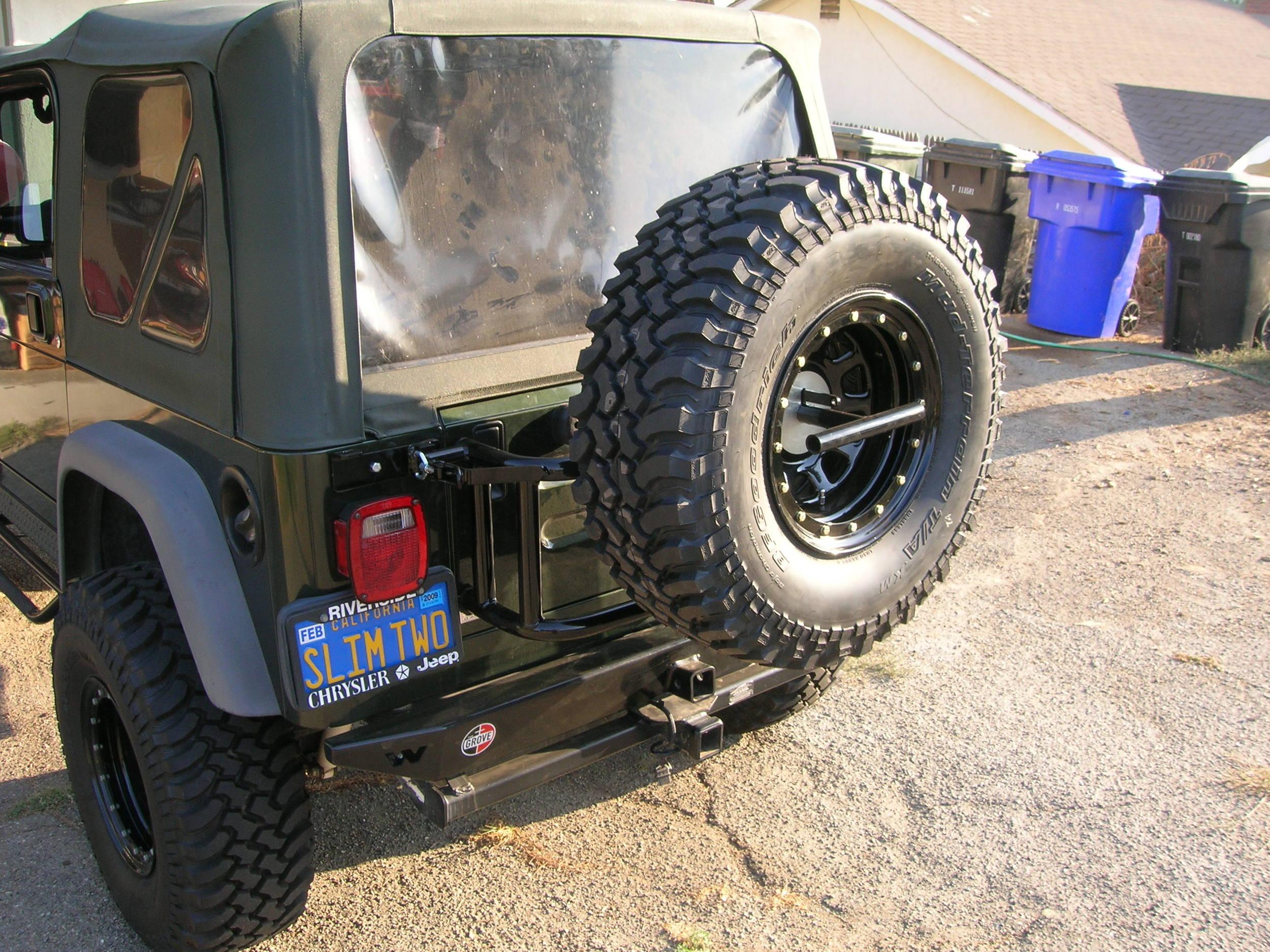 05_Jeep_Tire_Carrier_013.JPG