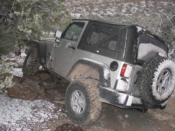 jeepsnow004.jpg