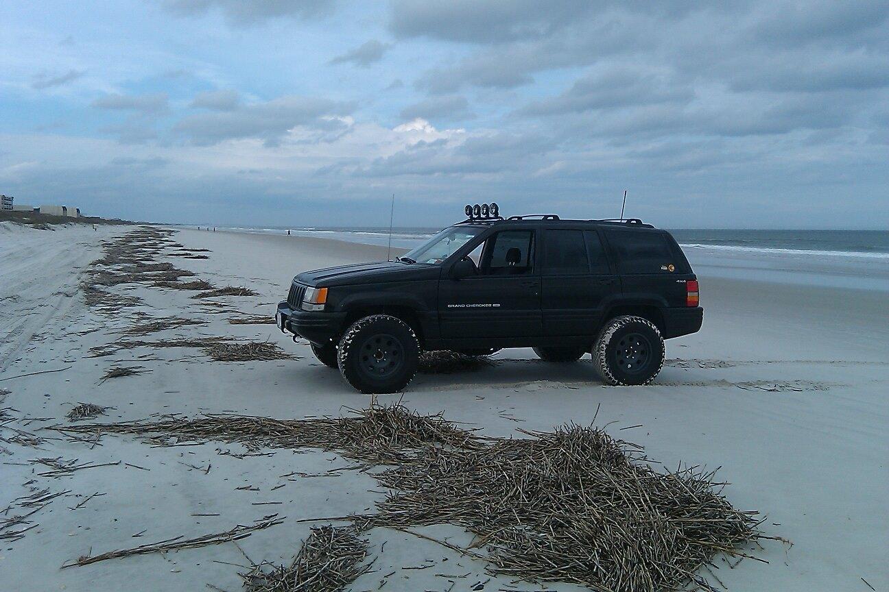 Crescent_Beach12_2012.jpg