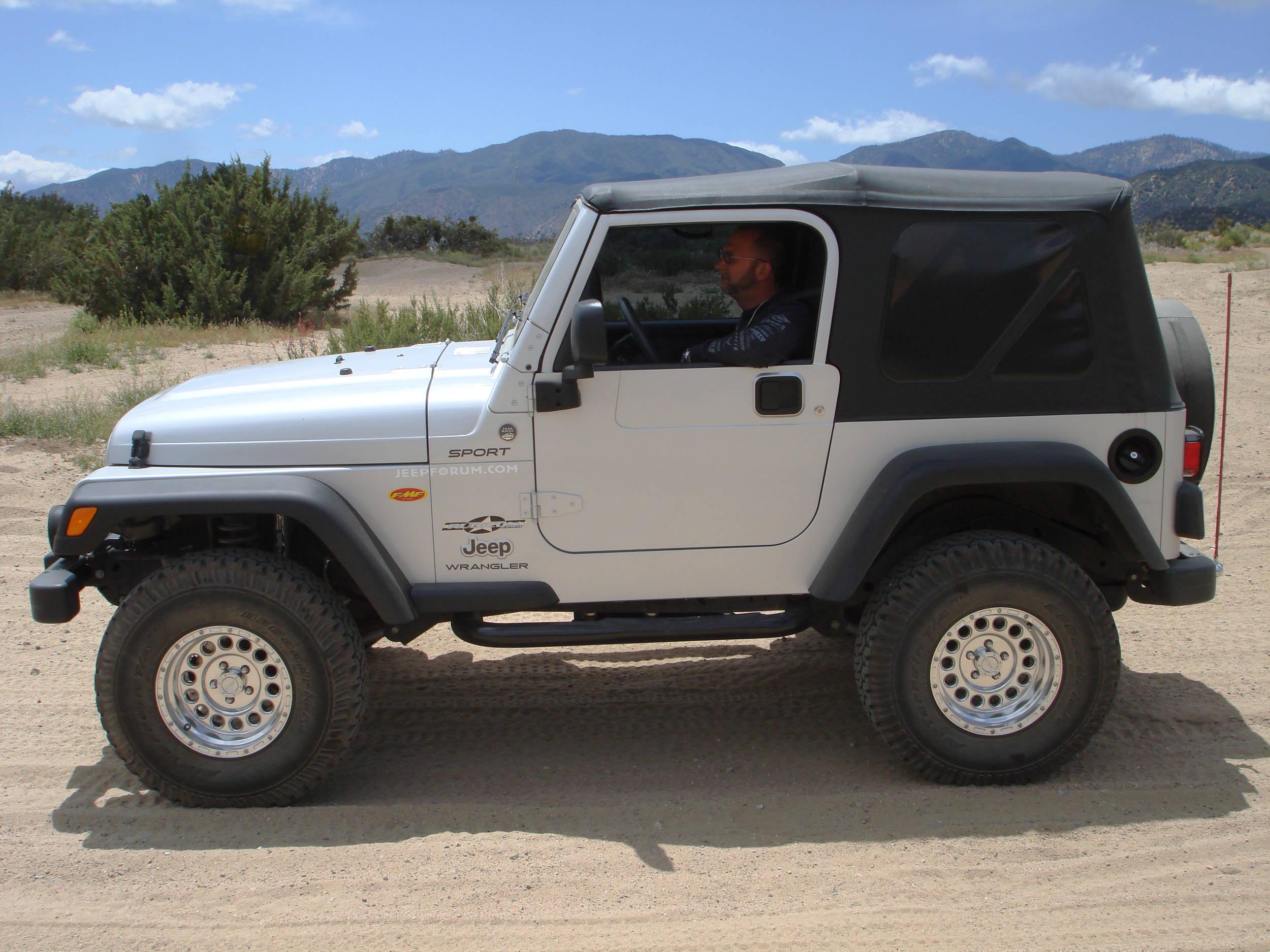 Rich_in_jeep002.JPG