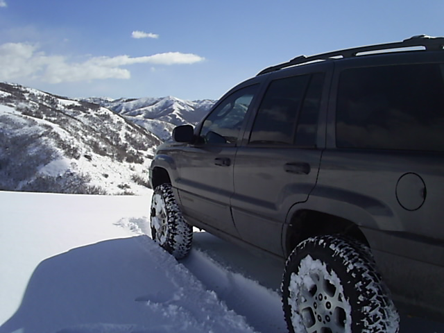 3-2-07_Snow_Wheelin_015.jpg