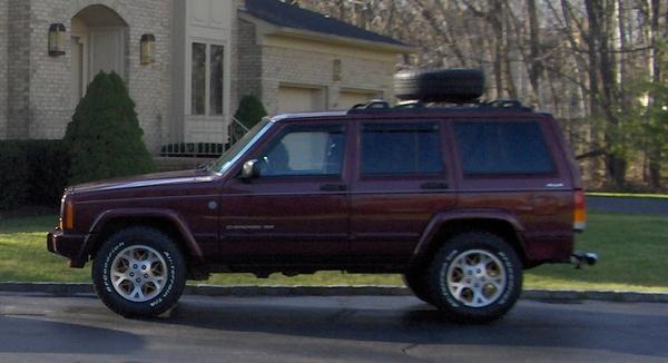 JeepCherokeewithSilverstarHeadlights011b.jpg