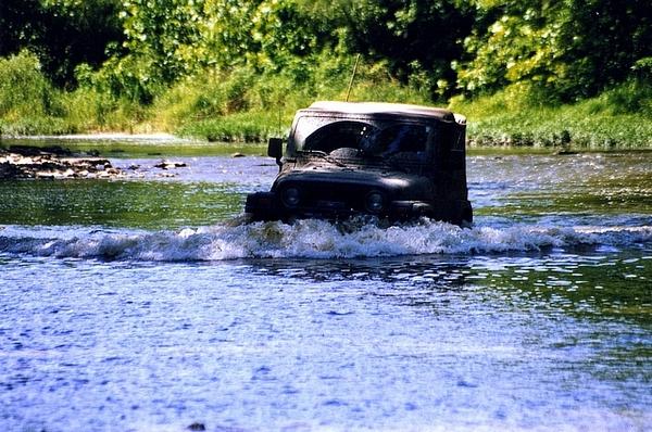 Jeep-water.jpg
