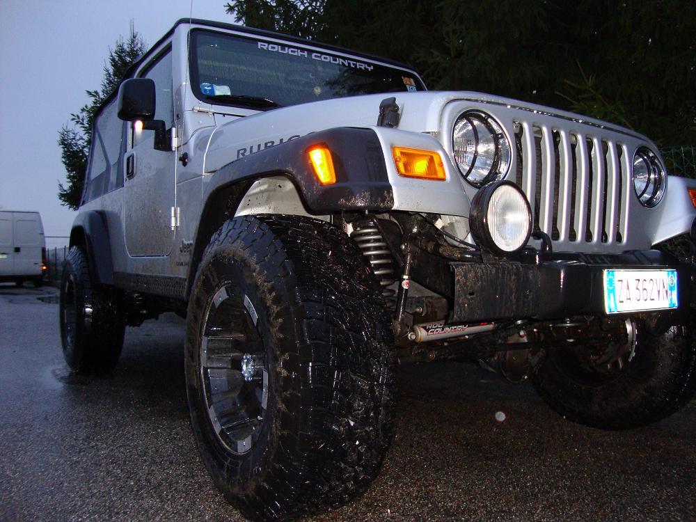 Jeep Upskirt