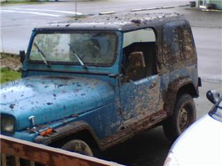 MuddyJeep1.jpg