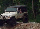 jeepcrawlin2.jpg
