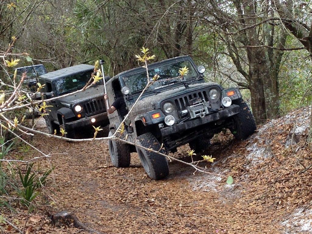 Jeep1096.jpg