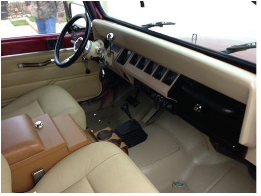 newjeep_interior1.JPG