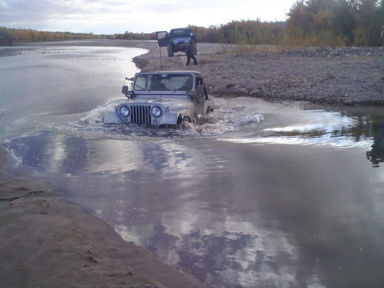 jeep11104.jpg