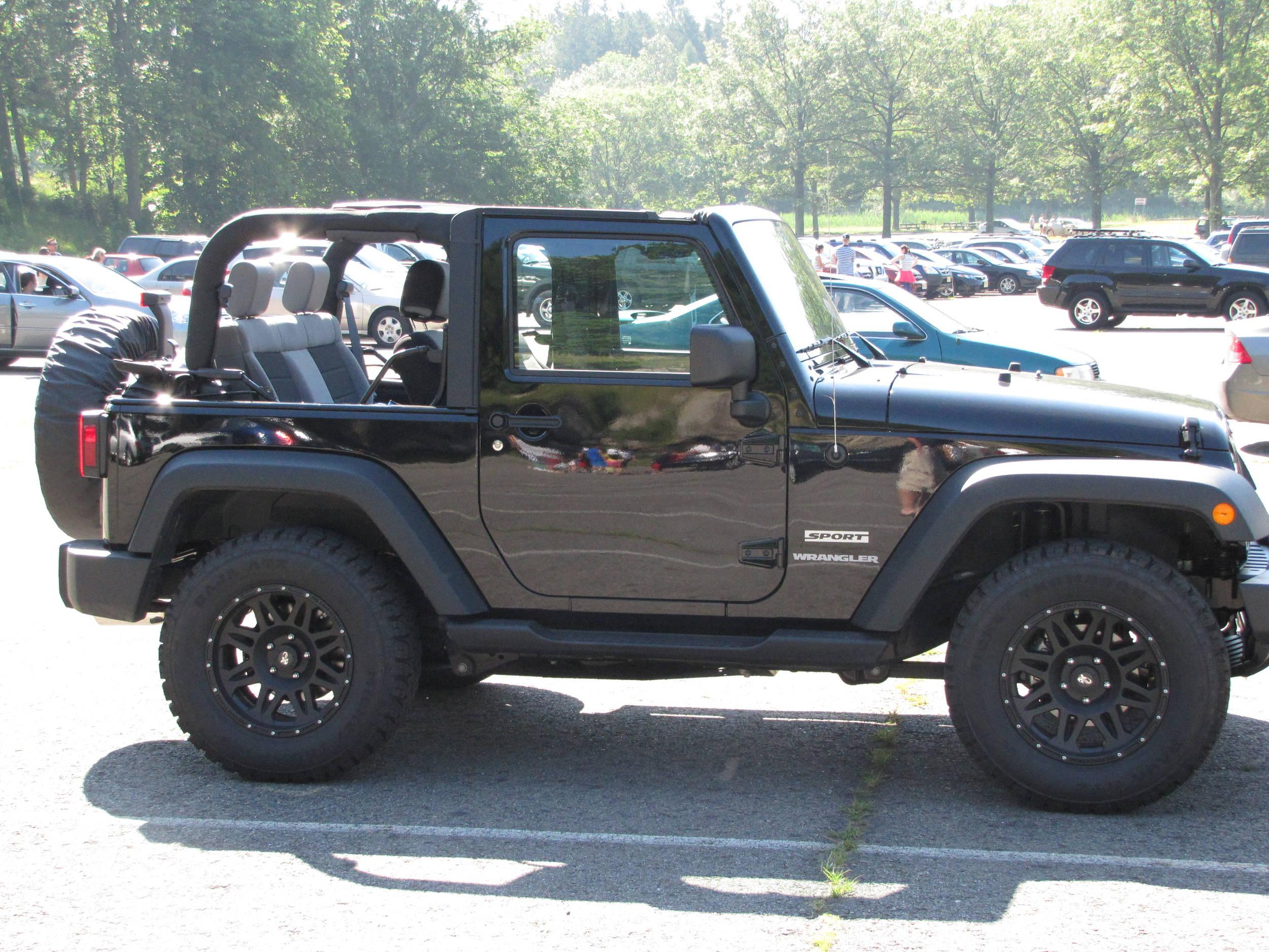 IMG_Jeep_park.jpg