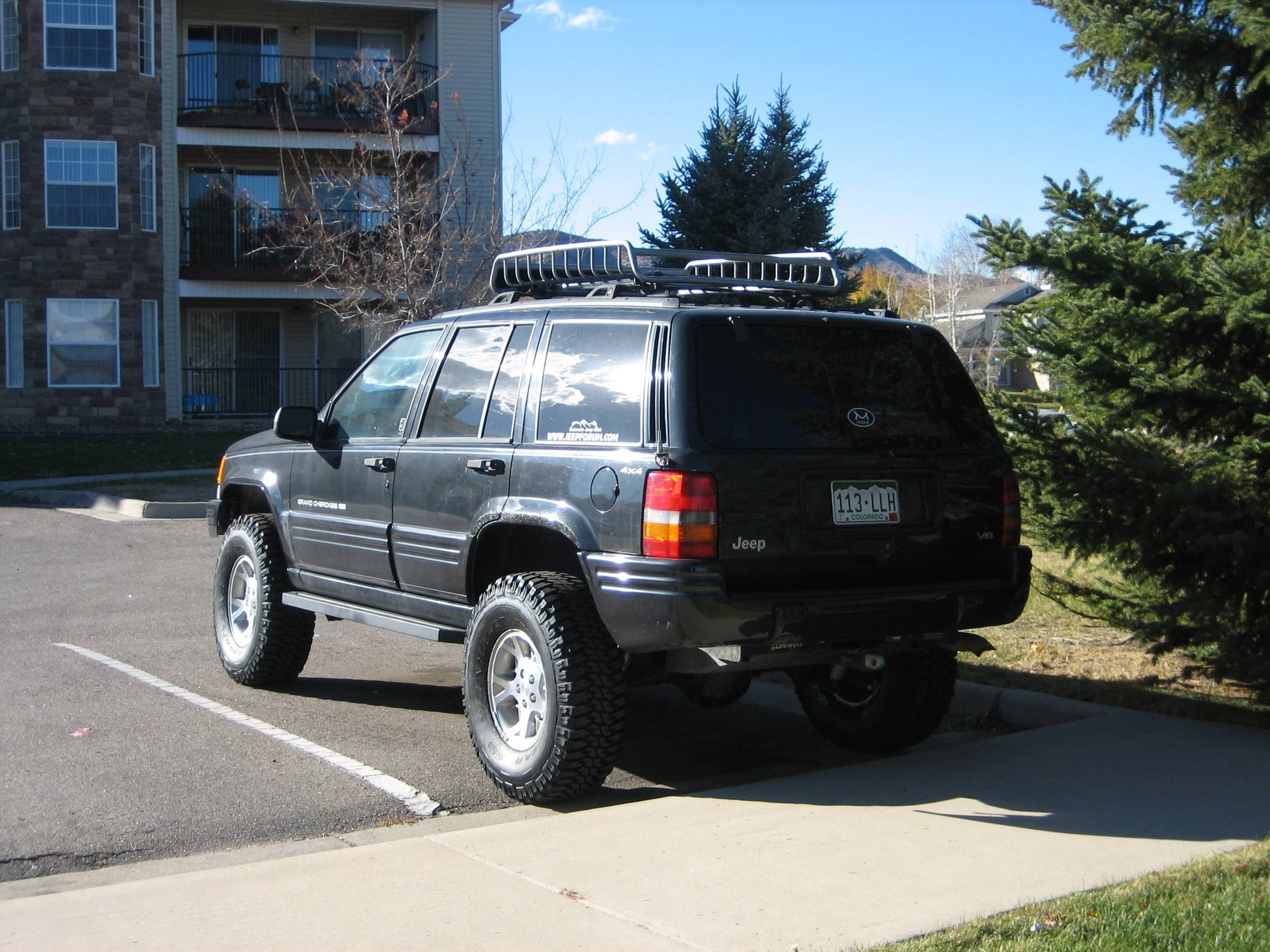 Jeep_Back_34.JPG