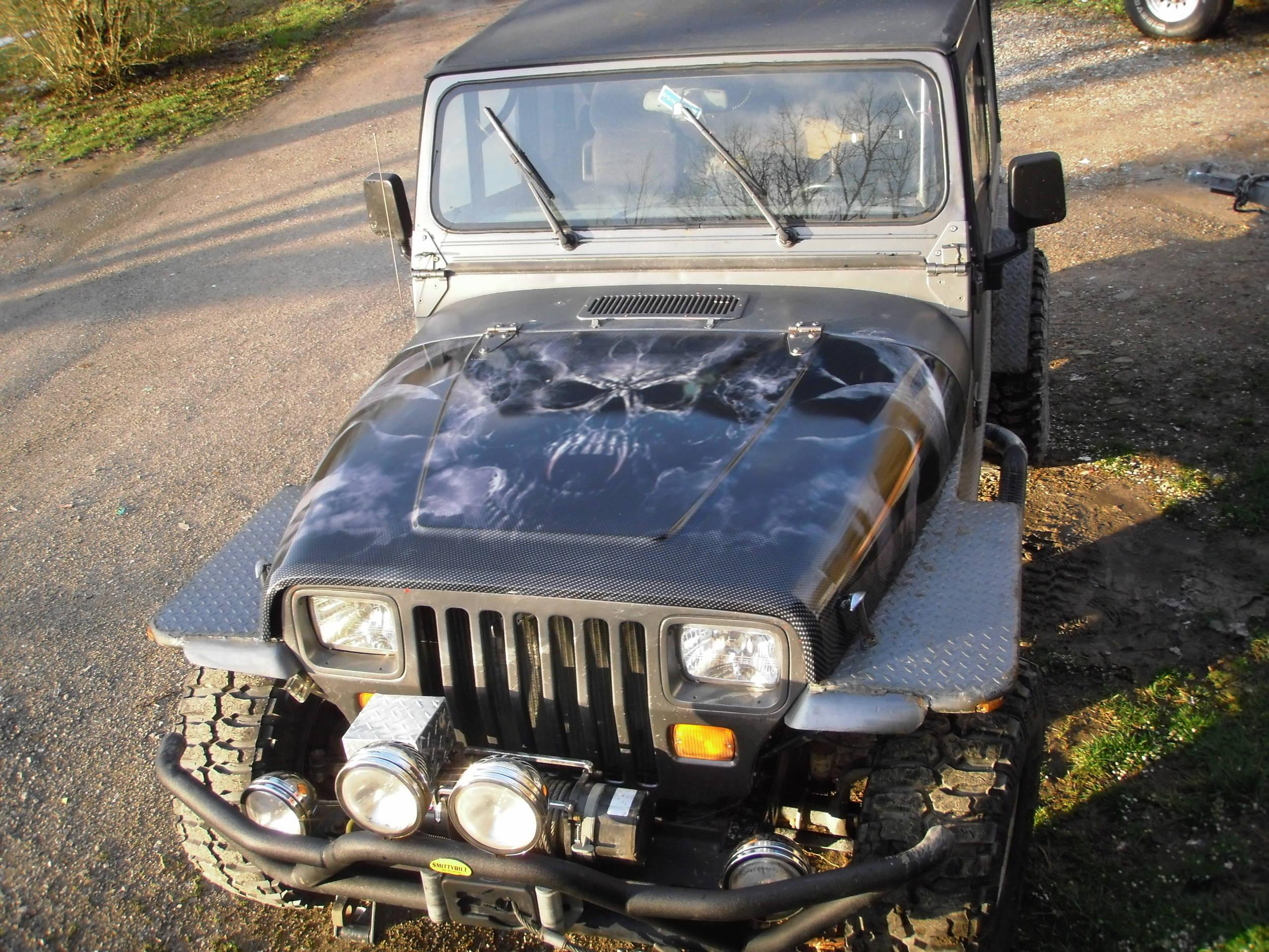 jeep_hood.jpg