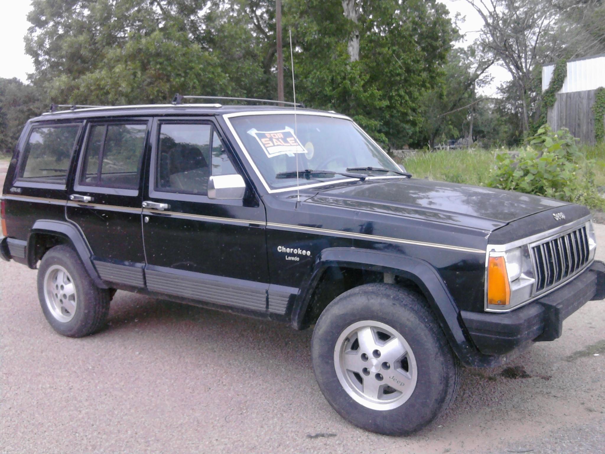 black_jeep.jpg